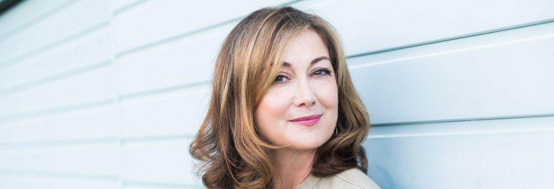 Caroline Beecham author